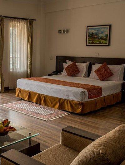 Mordern Lai Lai Holiday Inn
