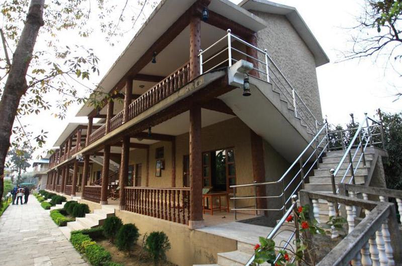Jungle Safari Lodge